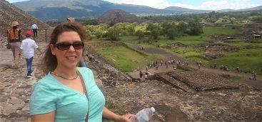 Raqui en las piramides de Mexico (2)