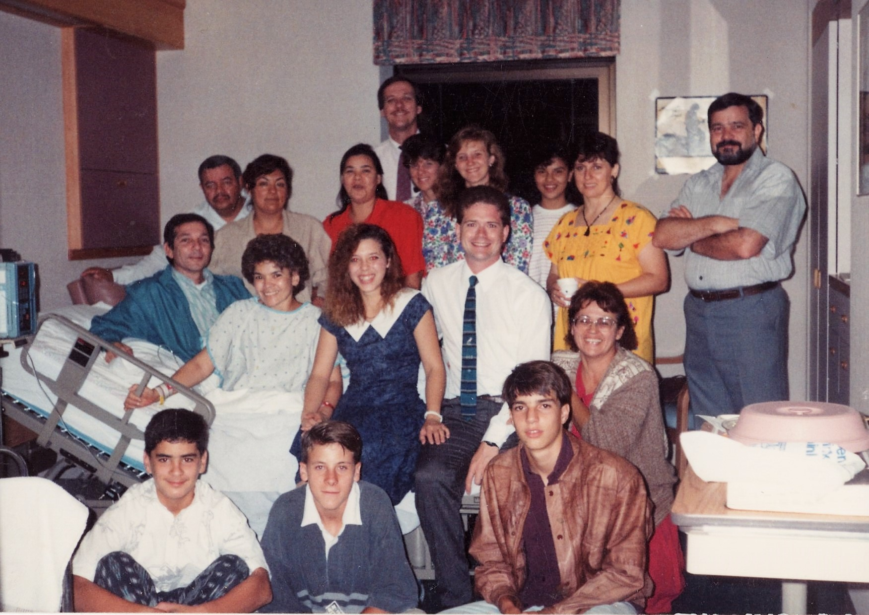 Missionaires and friends gather the night before Raquel is to return to PR June 1991